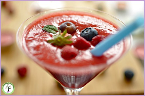 Strawberry-cranberry smothie recipe.