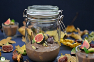 Vegan chocolate mousse. Gluten-free, dairy-free, sugar-free.